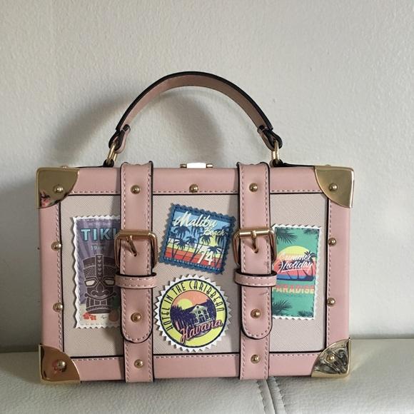 ea983ddcf18 Aldo Handbags - ALDO Calini mini box bag